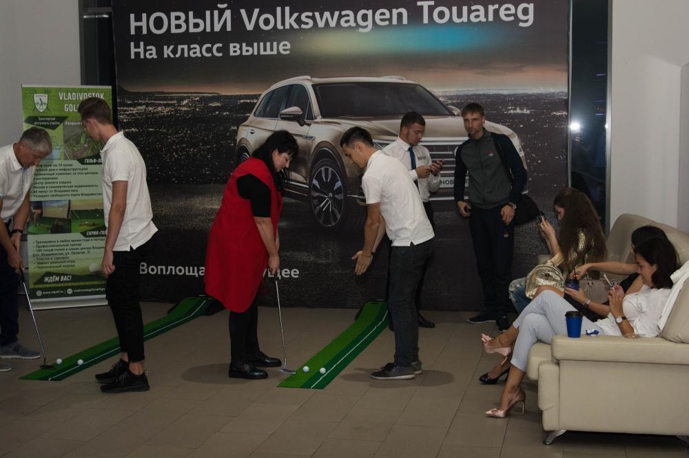 Во Владивостоке прошла закрытая презентация НОВОГО Volkswagen Touareg!
